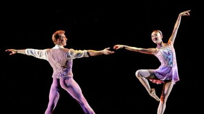 Melody Herrera and Ian Casady of Houston Ballet perform &quot;Falling,&quot; choreographed by Stanton Welch.
