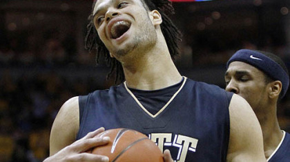 Pitt&#039;s Gary McGhee reacts after being called for a foul against Marquette&#039;s Jimmy Butler in the first half.