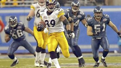 Steelers Willie Parker runs for a third quarter touchdown against the Seahawks in Super Bowl XL. The run was the longest rushing touchdown in Super Bowl history.