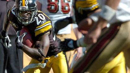 The Steelers brought back corner back Bryant McFadden.