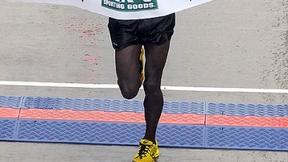 Kipyegon Kirui, of Kenya, won the men's title with a time of 2:17:12.