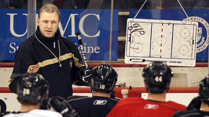 Former Penguins head coach Michel Therrien would like to return to the NHL.