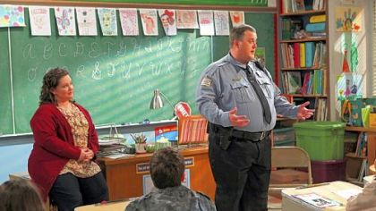 "Former Pittsburgher Billy Gardell, right, and Melissa McCarthy play a couple who find love at an Overeaters Anonymous meeting in the new comedy ""Mike & Molly,"" this fall on CBS."