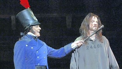 Robert Cuccioli portrayed Javert and Fred Inkley was Jean Valjean in Pittsburgh CLO&#039;s &quot;Les Miserables.&quot; Cuccioli&#039;s work led to Actor of the Year accolades.