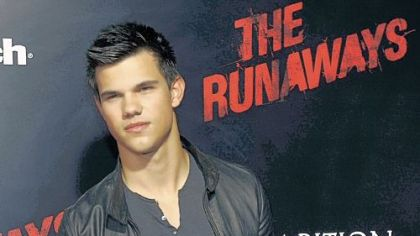 Taylor Lautner arrives at a premiere in Los Angeles. The actor from the wildly popular &quot;Twilight&quot; series will film the movie &quot;Abduction&quot; in Pittsburgh.