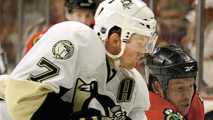 Penguins&#039; Paul Martin faces former teammates for the first time tonight.