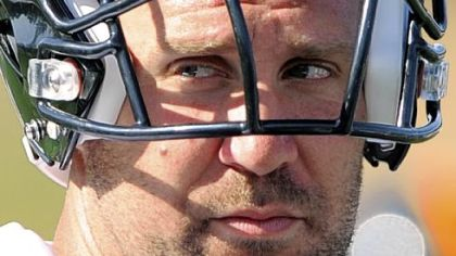 Steelers quarterback Ben Roethlisberger during drills at afternoon workouts at St. Vincent College, Latrobe Pa