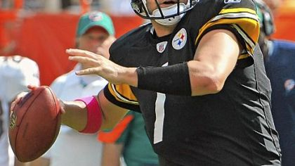 Steelers quarterback Ben Roethlisberger threw for 302 yards and two touchdowns against the Dolphins Sunday.