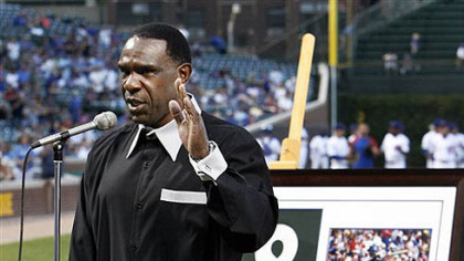Hall of Famer Andre Dawson thanks the Chicago fans as he is honored by the Chicago Cubs before a baseball game against the Pittsburgh Pirates  Monday, Aug. 30, 2010 at Wrigley Field in Chicago. (AP Photo/Charles Rex Arbogast)
