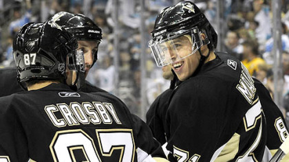 Evgeni Malkin celebrates his goal against Columbus in the third period Saturday night.