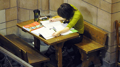 Elise Ramirez studies in the Cathedral of Learning, University of Pittsburgh.